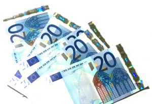 966146_20_euros